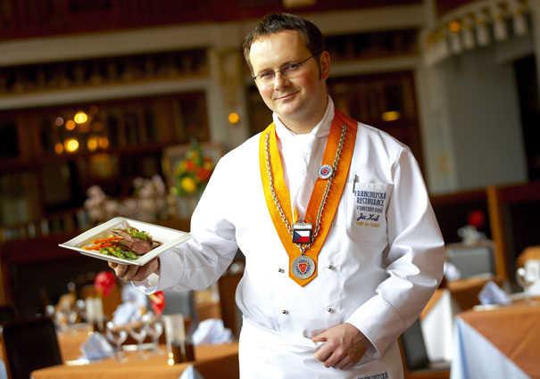 Prague la maison municipale for Chef en frances