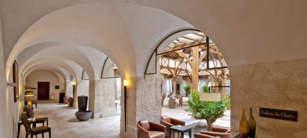couvent des minimes hotel spa l 39 esprit provence de l 39 occitane r f rences h teliers. Black Bedroom Furniture Sets. Home Design Ideas